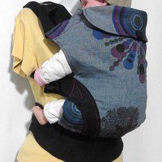 Oum'S le spécialiste du portage physiologique made in morocco,  vous présente son porte bébé préformé le PhysioForm à voir sur la boutique de notre blog. Backpacks, Boutique, Sweatshirts, Sweaters, Blog, Fashion, Outfit, Moda, Fashion Styles