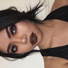 """makeupbag: """"http://makeupbag.tumblr.com """""""