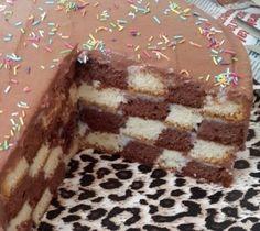 Nefis Damalı Pasta Tarifi Dış görünüşü kadar dilimlendiğinde de görsel bir şölen olan, yapılışı kolay enfes bir pasta tarifiyle buluşmaya hazır mısınız sevgili nefispratikyemektarifleri.com takipçileri? Nefis damalı pasta tarifi için videolu yemek tarifleri ve pasta tarifleri alt başlıklarımızı tıklamanız yeterlidir. Her gün yenilenen ve nefis yemek tarifleri ile zenginleşen sitemizi takibe devam edin, bereketli ve …