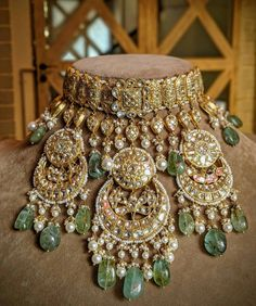 Amethyst And Silver Bracelet Info: 9419685731 Indian Bridal Jewelry Sets, Indian Jewelry Earrings, Bridal Accessories, Bridal Jewellery, Silver Jewelry, Lehenga Jewellery, Indian Accessories, Pakistani Jewelry, Silver Ring