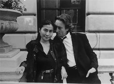 John Lennon and Yoko Ono New York City Les Beatles, John Lennon Beatles, John Lennon Yoko Ono, Beatles Photos, Joko, Wife And Girlfriend, Anniversary Photos, Black And White Portraits, Jim Morrison