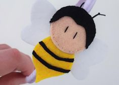 Bee headband - Happy Painting Kids Headbands, Felt Headband, Bee Gifts, Luxury Girl, Happy Paintings, Bee Theme, Happy Art, Special People, Color Shades