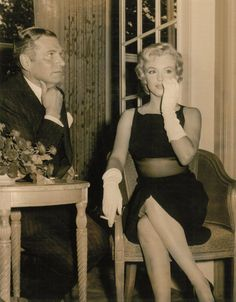 Marilyn Monroe at The Savoy in London: http://www.brownelltravel.com/blog/5-iconic-hotels-around-world/