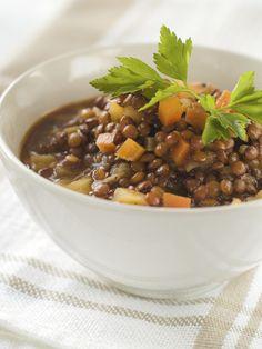 Perfetta per l'autunno e l'inverno, la zuppa di lenticchie è un primo corposo e particolarmente saporito; con il Bimby sarà semplicissimo realizzarla.