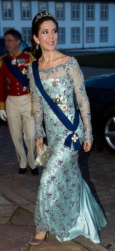Mary of Denmark ... An unusually dowdy gown.