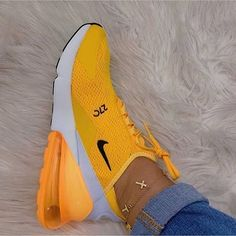 60 everyday shoes to look cool shoes styles & design 2019 page 31 Yellow Sneakers, Cute Sneakers, Sneakers Mode, Best Sneakers, Sneakers Fashion, Fashion Shoes, Shoes Sneakers, Work Fashion, Women's Shoes