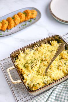 Preischotel met aardappel | In 25 min. in de oven - Lekker en Simpel A Food, Food And Drink, Vegetarian Recipes, Healthy Recipes, Tasty, Yummy Food, Min, Macaroni And Cheese, Favorite Recipes