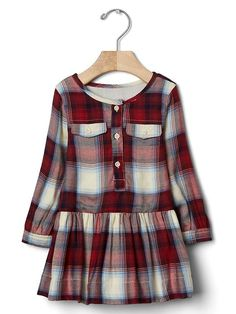 Baby Girl Clothes - Shop by Size : babyGap: Baby mos) Shop By Size Kids Frocks, Frocks For Girls, Stylish Dresses For Girls, Little Girl Dresses, Kids Christmas Outfits, Kids Outfits, Christmas Baby, Girls Clothes Shops, Girl Clothing