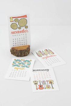 wood stump calendar