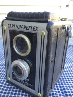 Vintage Carlton Twin Lens Reflex Camera 1950's  B119 by VintageRoseandLace on Etsy https://www.etsy.com/listing/214178156/vintage-carlton-twin-lens-reflex-camera