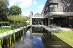 synergie tussen tuininrichting en architectuur.