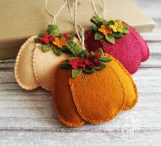 Felt Projects, Craft Projects, Fall Crafts, Diy Crafts, Halloween Sewing, Felt Material, Felt Embroidery, Felt Decorations, Scarecrows