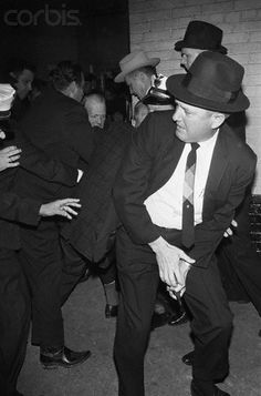 - Dallas Police scuffle to subdue Jack Ruby after shooting Lee Harvey Oswald. Texas History, Us History, American History, Los Kennedy, John F Kennedy, Jfk Funeral, Kennedy Assassination, John Fitzgerald, Presidents