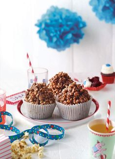 Chocolate crackles are the ultimate kid's party treat. No cooking or baking required; just Melt n' Mix ingredients! Gluten Free Deserts, Dairy Free Recipes, Baking Recipes, Vegetarian Recipes, Dairy Free Chocolate, Chocolate Recipes, Kids Party Treats, Christmas Snacks, No Bake Desserts