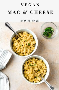 This easy vegan mac & cheese is creamy, delicious, and healthy. It's made with cashews, garlic, nutritional yeast, onion powder, sweet potatoes, and more. The perfect side dish for thanksgiving and any weeknight dinner or vegan lunch recipe. #veganMac&Cheese #vegandinnerRecipes #VeganPastaRecipe Easy Vegan Dinner, Vegan Dinner Recipes, Delicious Vegan Recipes, Vegan Dinners, Raw Food Recipes, Lunch Recipes, Quick Pasta Recipes, Mac Cheese Recipes, Vegan Mac And Cheese