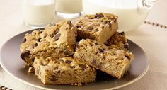 Lauren Chattman, former pastry chef and author of Cookie Swap! (Workman, 2010), combines the ease of a brownie with the flavors of the all-time favorite chocolate chip cookie in this blondie.