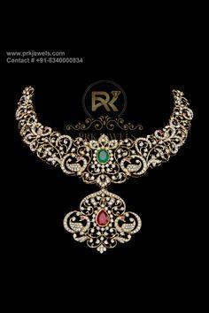 Diamond Earrings Indian, Diamond Choker Necklace, Diamond Jewellery, Emerald Diamond, Necklace Set, Gold Jewellery Design, Gold Jewelry, Gold Models, Indian Gowns