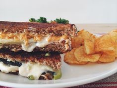 I made this delectable vegan jack & cheddar grilled cheese with apple, basil, and dijon to celebrate National Grilled Cheese Day! Healthy Grilling Recipes, Vegan Grilling, Easy Healthy Recipes, Easy Meals, Healthy Appetizers, Healthy Food, Dairy Free Recipes, Vegan Recipes, Vegan Food