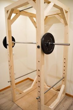 Ideas for building a diy wooden squat cage and power rack. These tutorials and plans are cheap for a garage gym on a bud Home Made Gym, Diy Home Gym, Gym Room At Home, Homemade Gym Equipment, Diy Gym Equipment, No Equipment Workout, Fitness Equipment, Squat Rack Diy, Diy Power Rack