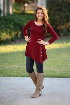 Love the color and style of this shirt! Perfect for everyday and my favorite fall color!
