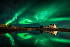 Join this amazing one-of-a-kind winter photo tour of Iceland and you will have the chance to capture the Northern Lights across all corners of Iceland. Tours In Iceland, Iceland Photos, Photography Tours, Winter Photography, Best Landscape Photographers, Arctic Landscape, Gullfoss Waterfall, Thingvellir National Park, Water Reflections