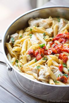 One-Pot Chicken Pasta with White Wine Sauce | 12 Easy Ideas For One-Pot Chicken Dinners