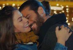 Turkish Men, Turkish Actors, Cute Love Couple, Beautiful Couple, Romance Movies, Early Bird, Film Serie, Daydream, Couple Goals