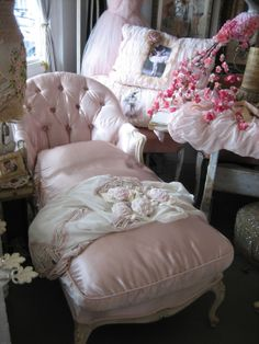 ♡ Home Pink Home ♡  Pink satin chaise @ Vignette Antiques