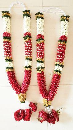 Indian Wedding Flowers, Flower Garland Wedding, Rose Garland, Flower Garlands, Rose Wedding, Indian Bridal, Engagement Stage Decoration, Garden Wedding Decorations, Flower Decorations