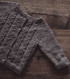 This little cardigan is off the needles! Have a wonderful weekend folks . Baby Boy Outfits, Knitting Projects, My Design, Folk, Sweaters, Kids, Clothes, Instagram, Decor