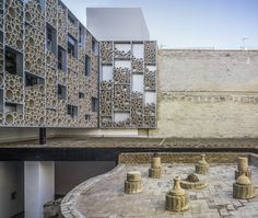 Built by AF6 Arquitectos in Sevilla, Spain with date 2010. Images by Jesús Granada. The project develops on and old pottery complex, an exhibition center of ceramics, an interpretative center on differ...