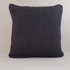 Arende — organic cotton cushion, handwoven