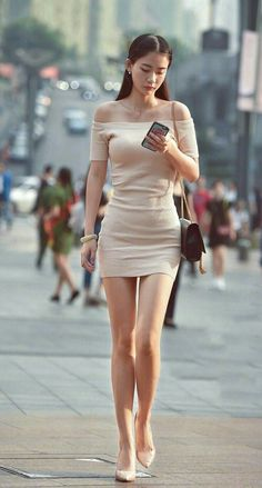 Pros and Cons of Wearing Short Skirts and Dress – Home of Love and Relationshi. - Pros and Cons of Wearing Short Skirts and Dress – Home of Love and Relationship Ideas - Pretty Asian Girl, Cute Asian Girls, Beautiful Asian Women, Tight Dresses, Short Dresses, Short Skirts, Mini Skirts, Mode Blake Lively, Asian Fashion