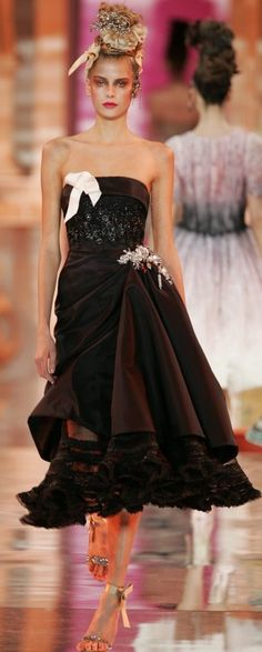 christian lacroix on pinterest christians haute couture and shalom harlow. Black Bedroom Furniture Sets. Home Design Ideas