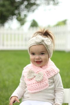 Baby Scarf Toddler Scarf Pink Baby Scarf by TinyLittleMemories Crochet For Kids, Crochet Baby, Knit Crochet, Crochet Hair Accessories, Crochet Hair Styles, Baby Bows, Baby Headbands, Baby Hats Knitting, Knitted Hats