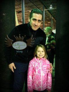 Jake Gyllenhaal and 'the stolen girl' on set of Prisoners