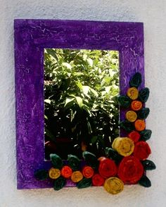 Espejo con Flores de papel Periodico
