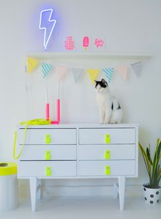 cabinet painted white with neon grips Neon Furniture, Furniture Makeover, Diy Interior, Decor Interior Design, Neon Room, Neon Painting, Neon Home Decor, My New Room, Decoration
