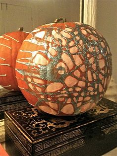 Martha Stewart has done glitter pumpkins before, but crafty as she is, she simply cannot compete with Amanda Talley. The New Orleans-based painter, who was Holiday Crafts, Holiday Decor, Glitter Pumpkins, Puffy Paint, So Creative, Halloween Town, Autumn Inspiration, Pumpkin Carving, New Orleans