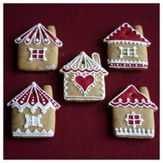 Íme az idei, 2013-as karácsonyi mézeskalács kollekcióm.                                                                Ha szeretnél Te is mézeskalácsot készíteni, korábbi írásaim között megtalálod, hogy én hogyan… Cookie Decorating, Christmas Cookies, Party Themes, Gingerbread, Biscuits, Cooking Recipes, Cake, Holiday, Desserts