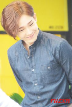 140914 HQ #WINNER #Taehyun at Westgate Mall M&G [DO NOT EDIT OR CROP] <3 pic.twitter.com/LIiBy8Pozf