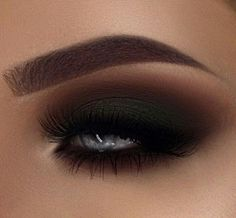 Perfect eye shadow for a vampy makeup look. Love this sultry e Black Smokey Eye Black Eye Love Makeup Perfect shadow Smokey sultry Vampy Gorgeous Makeup, Love Makeup, Beauty Makeup, Hair Makeup, Makeup Eyes, Makeup Style, Beauty Art, Dramatic Eye Makeup, Blue Eye Makeup