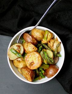 If golden, garlicky spuds are your idea of a heavenly side dish, you'll be grooving on these Garlicky Roasted Asparagus and Potatoes. The potatoes are crunchy on the outside and melt in your mouth, and the asparagus roasts up al dente. A vegan, soy-free, gluten-free, nut-free recipe.