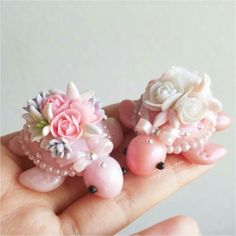 Adorable rose turtles with pearls