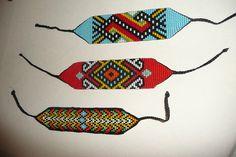 ARTESANIAS ¨¨* KIMZA*¨¨: MANILLAS EN MOSTACILLA Brick Patterns, Bead Loom Patterns, Beading Patterns, Boho Chic, Boho Style, Loom Beading, Bracelet Designs, Hama Beads, Bead Weaving