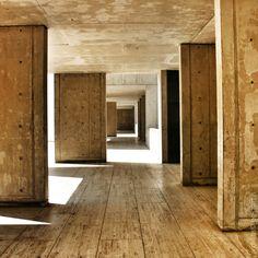 Salk Institute | Louis Kahn | La Jolla, CA Photo by bg-martin 2009
