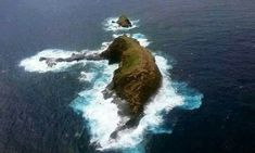 Naturally Erupted Elephant Rock in Heimaey Iceland,Sardegna island, Molokai Hawaii and New Zealand You won't believe this wonder of nature. These pictures are taken on the island of Heimaey that also meansRead More. Sea Elephant, Elephant Quotes, Helicopter Tour, Amazing Nature, The Great Outdoors, Strand, Wonders Of The World, Iceland, Places To See