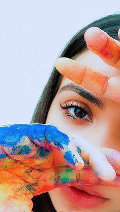 Painter Photography, Creative Portrait Photography, Photography Poses Women, Photography Lessons, Creative Portraits, Girl Photography Poses, Creative Photoshoot Ideas, Creative Instagram Photo Ideas, Holi Photo