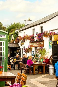 Established in 1798 and nestled in the Dublin Mountains, Johnnie Fox's is the highest pub in Ireland, and has quite a reputation when it comes to traditional music sessions.