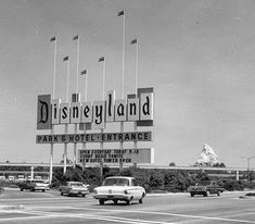I grew up in San Diego, California, so I grew up going to Disneyland every year. This is a photo of Disneyland in the I believe. What's hard to believe, is my Mom remembers going there, when it looked like this! Disneyland Vintage, Disneyland Sign, Original Disneyland, Disneyland Opening, Disneyland Photos, Disneyland History, Disneyland Photography, Disneyland Resort, Places